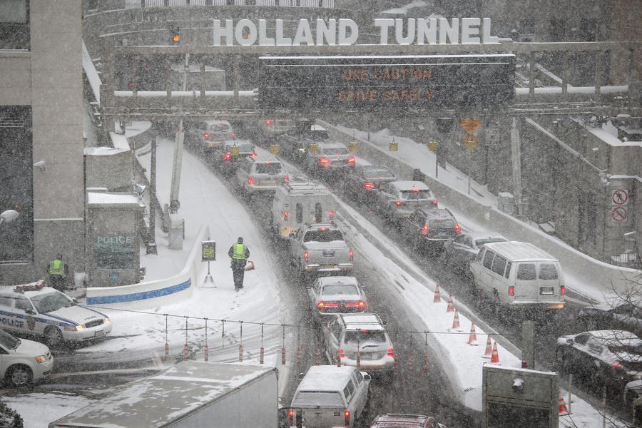 В США задержан угонщик брошенных во время снегопада машин