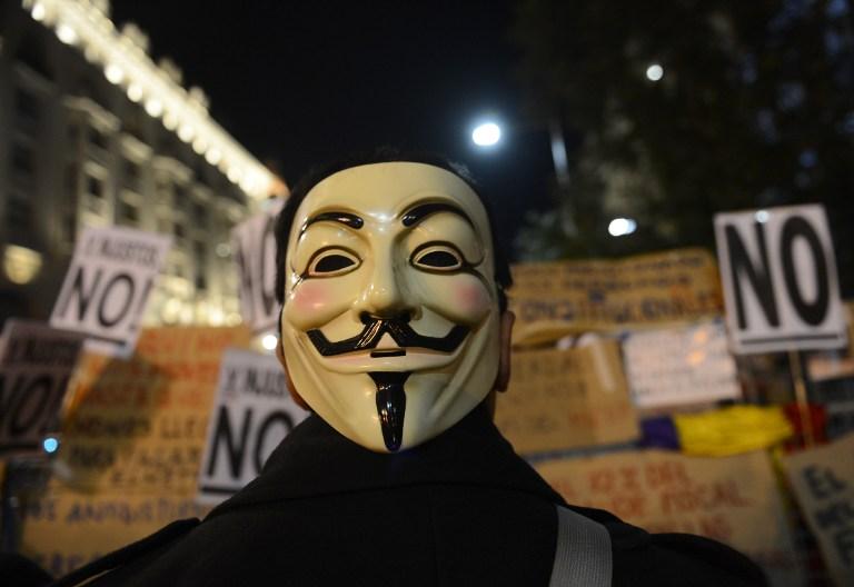 """""""Анонимус"""" атаковали почти 700 израильских сайтов"""