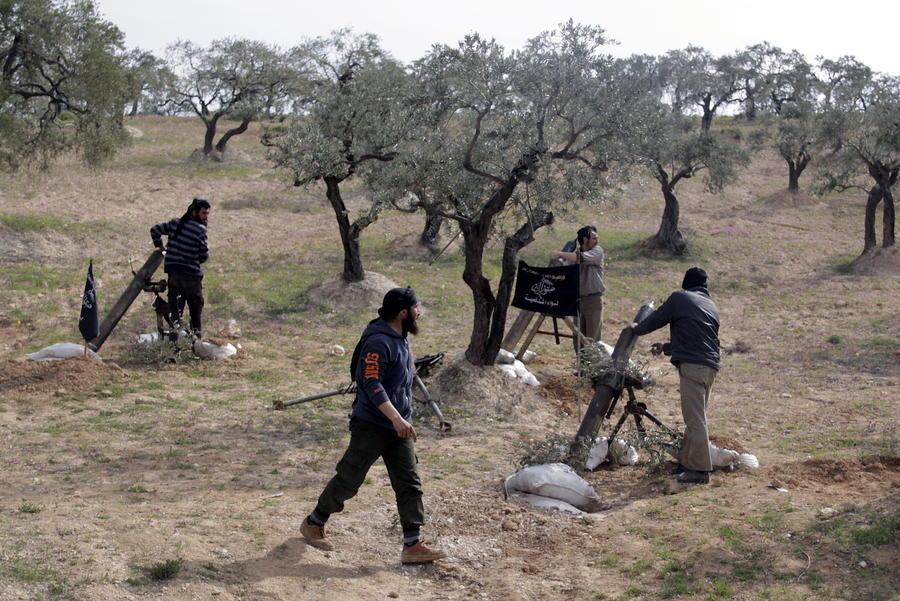 Вооружены до зубов: Amnesty International рассказала, откуда у боевиков ИГ появилось оружие