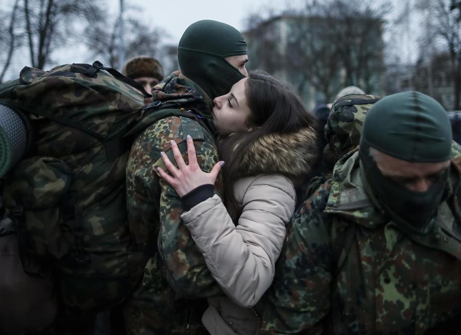Польские СМИ: Украинцы не хотят быть пушечным мясом для олигархической власти Киева