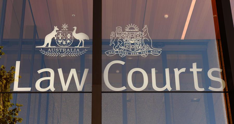 Судья из Австралии предложил признать инцест и педофилию «приемлемыми для общества»