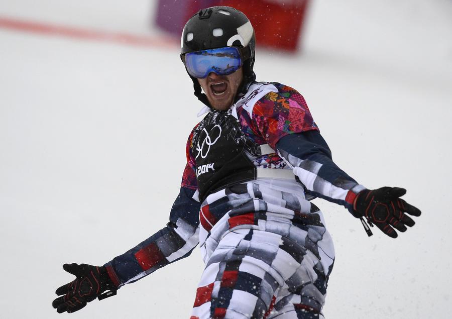 Российский сноубордист Николай Олюнин завоевал серебряную медаль Олимпиады в Сочи