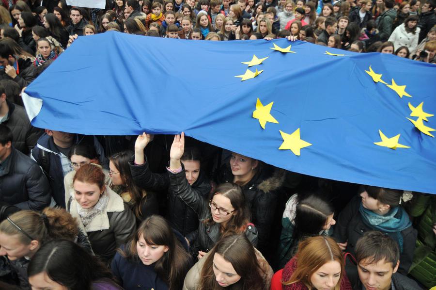 СМИ: Страны ЕС приняли от украинцев рекордное число заявок на получение убежища