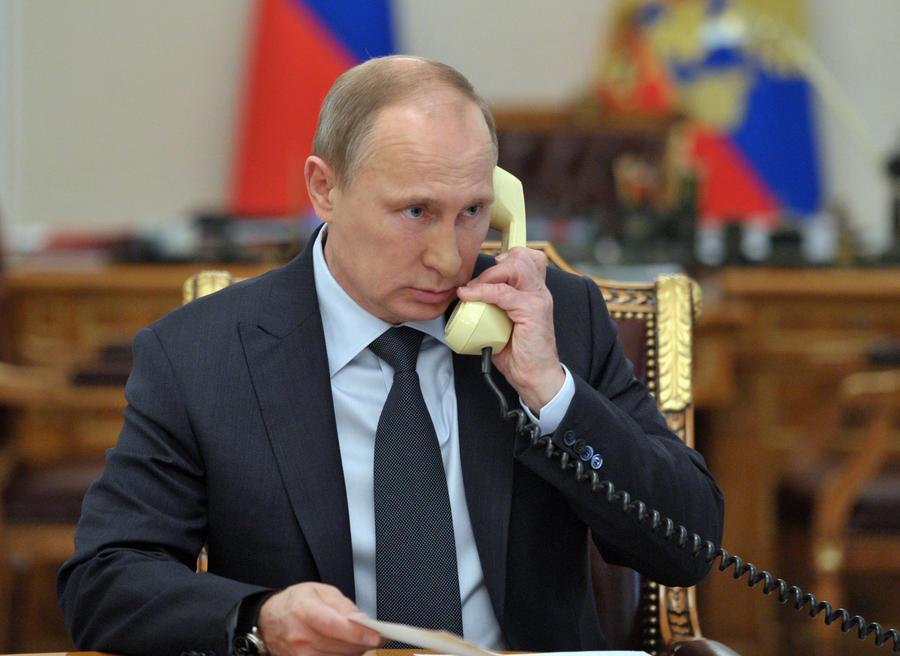Владимир Путин и глава Еврокомиссии договорились о срочной доставке гуманитарной помощи на Украину