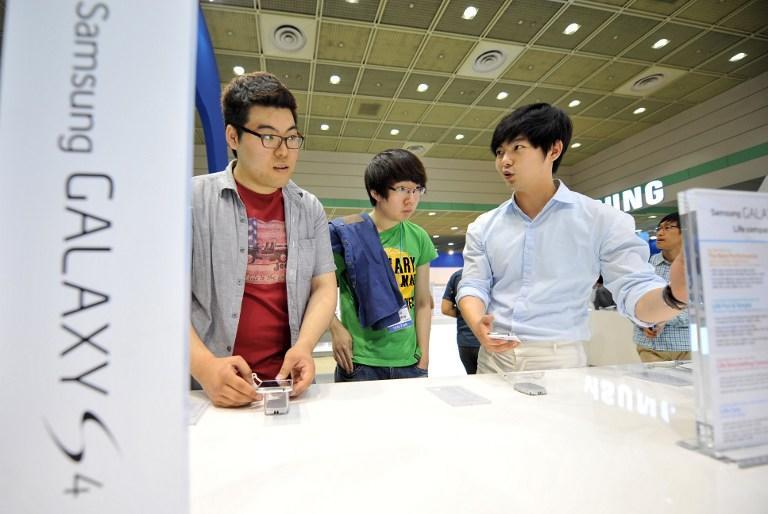 В гонке смартфонов Samsung Galaxy S4 оставил не у дел HTC One
