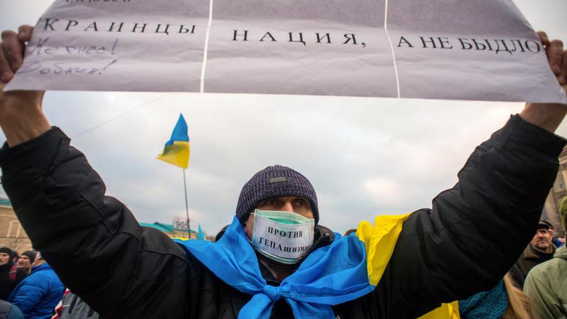 В Харькове решили не сносить памятник Ленину без официального разрешения властей