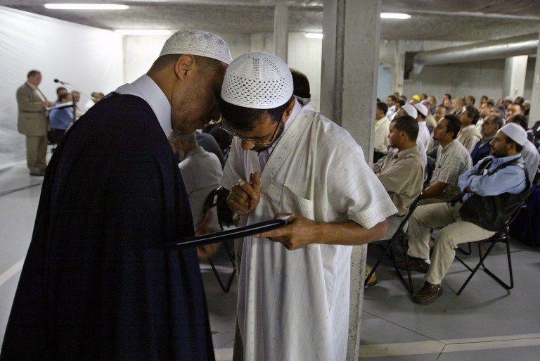 Франция указала на дверь имамам-экстремистам