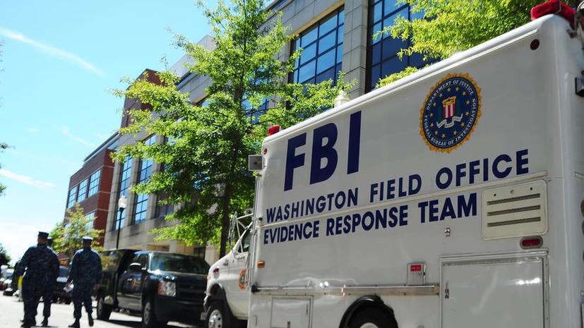 Приговорённого к 30 годам лишения свободы экс-шифровальщика ВМС США подставили коллеги