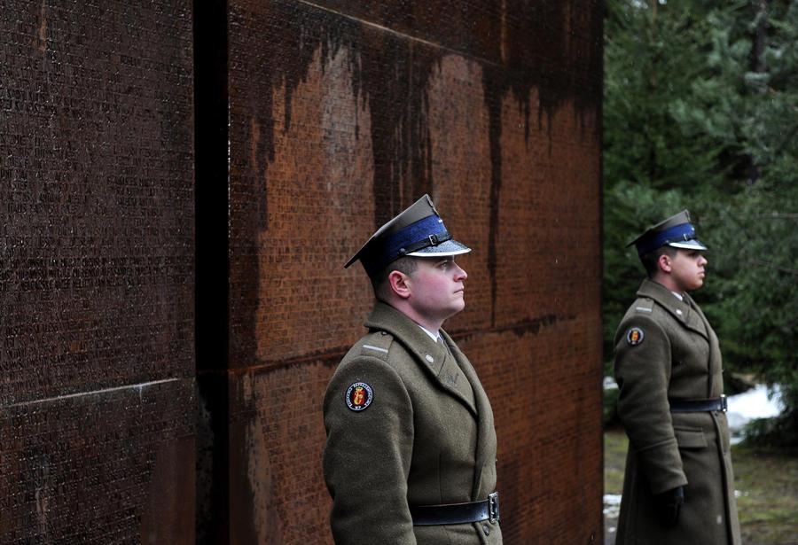 Мемориал Качиньскому под Смоленском может стать больше Красной площади