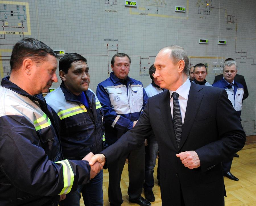 Владимир Путин в годовщину воссоединения Крыма с Россией ознакомится со строительством моста в Керчи