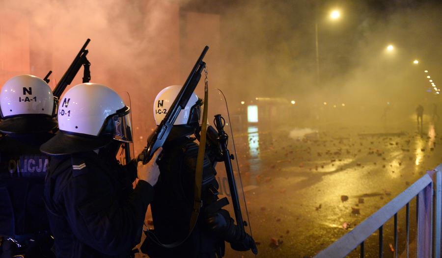 В беспорядках в Варшаве пострадали 50 человек, задержано 276 правонарушителей