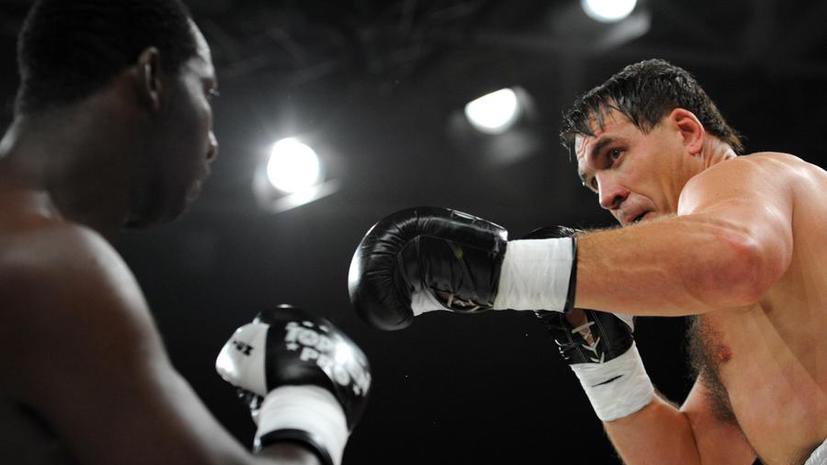 Олег Маскаев ознаменовал свое возвращение на ринг победой над Оуэном Беком