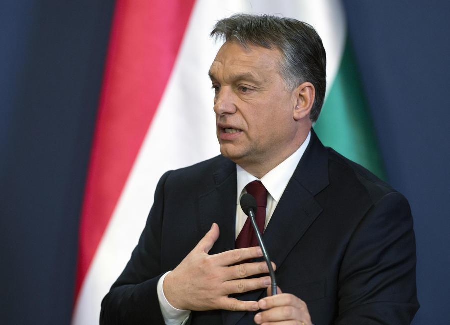 Премьер Венгрии Орбан: Жители Венгрии в ужасе от того, что ЕС не в состоянии справиться с мигрантами