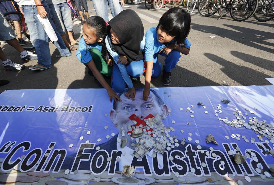 Жители Индонезии собирают $1 млрд, чтобы «откупиться» от премьера Австралии Тони Эбботта