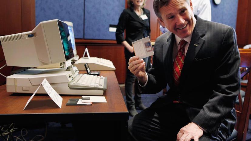 Власти США до сих пор пользуются устаревшими пластиковыми дискетами