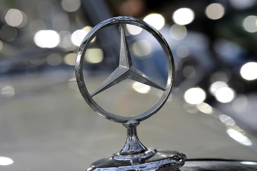 ДТП  с девятью автомобилями устроил инспектор ГИБДД на «Мерседесе»