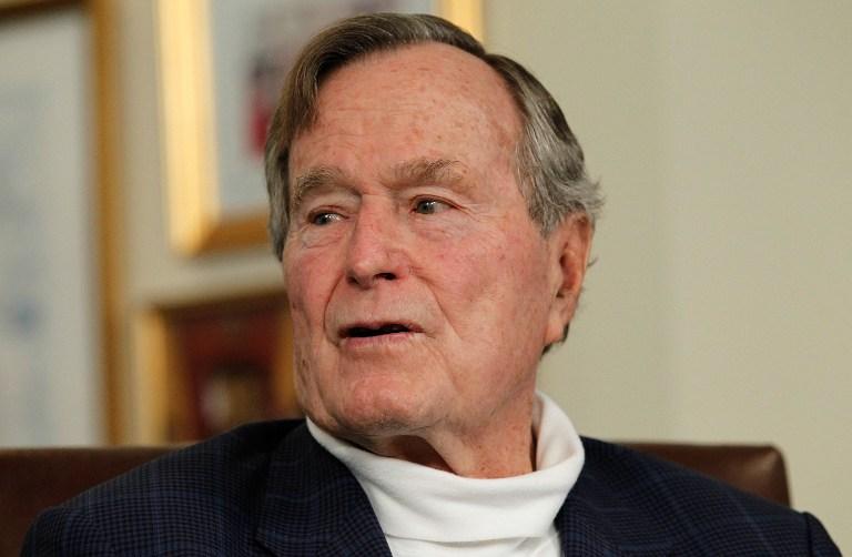 Джордж Буш-старший попал в больницу