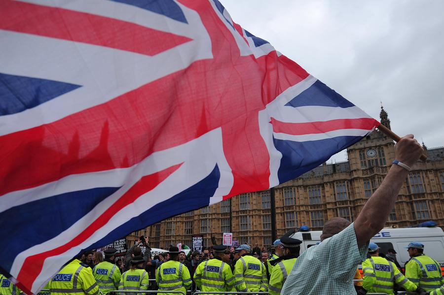 Госслужащие Великобритании приготовились к массовой забастовке