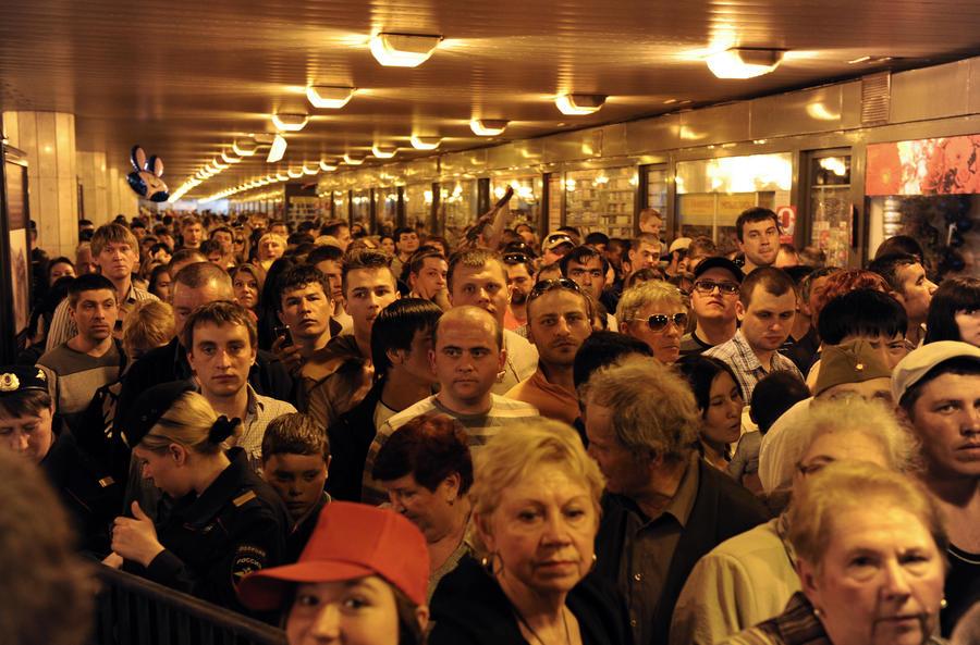 Департамент транспорта Москвы: переходы метро в час пик закрывать не будут