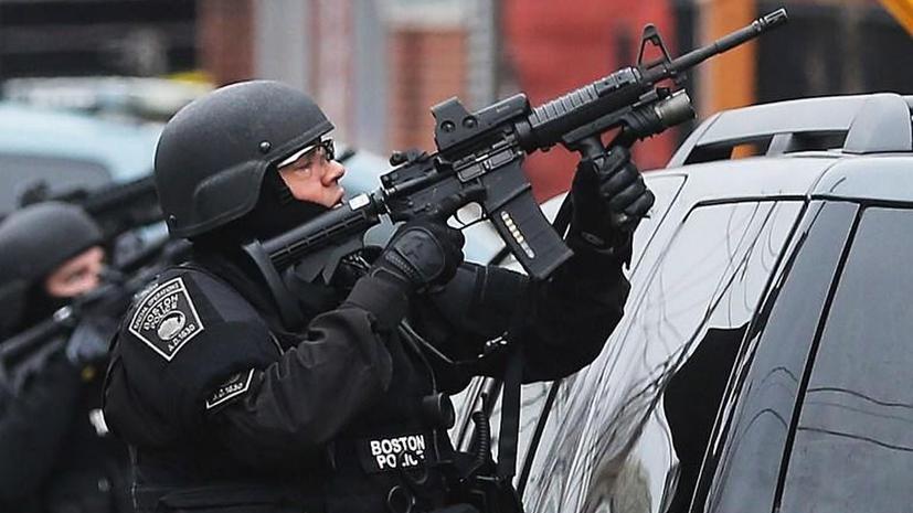 Полицейские окружили дом, в котором предположительно скрывается Джохар Царнаев