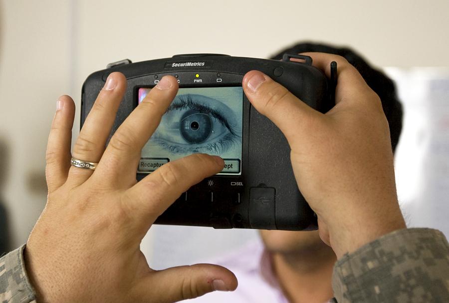 Сканирование сетчатки глаза поможет в борьбе с рассеянным склерозом