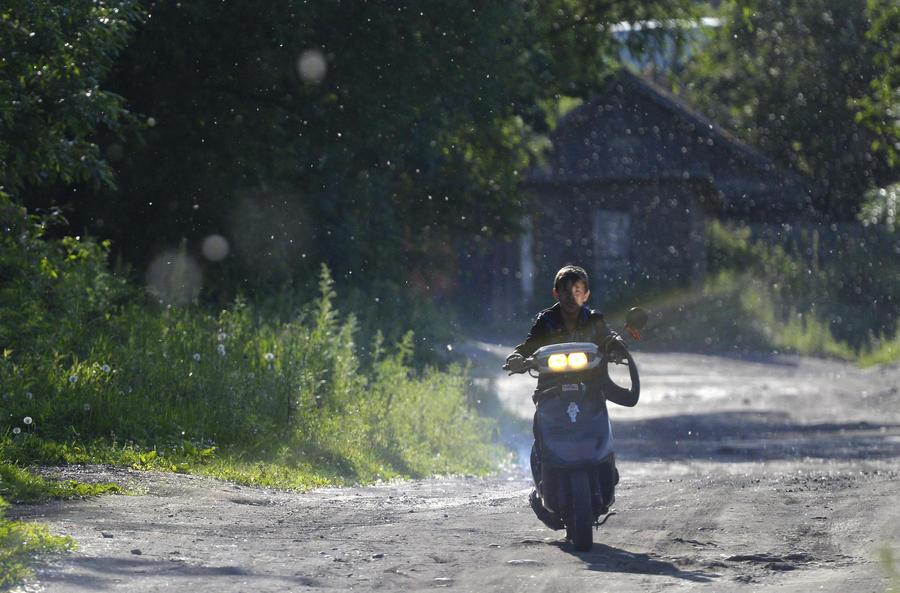 Водителей мопедов и квадроциклов обяжут получать права