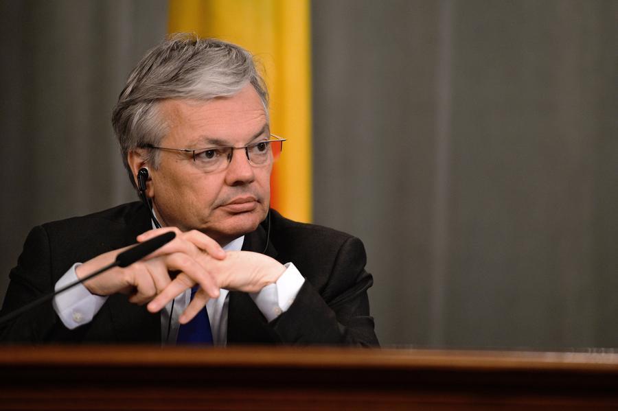 Глава МИД Бельгии: ЕС и США должны оказать давление на Киев для запуска диалога на Украине