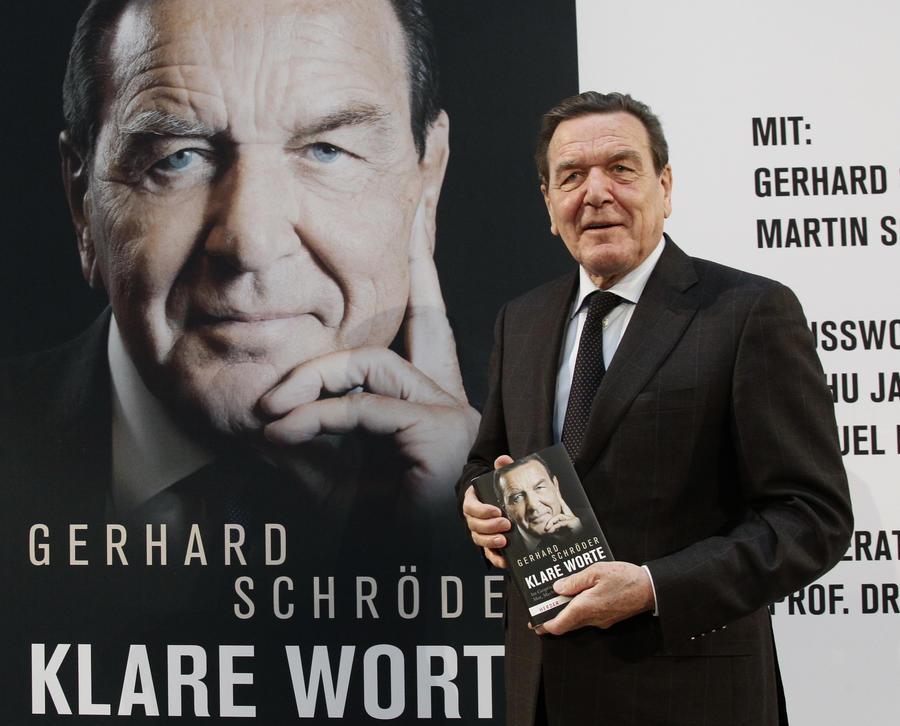 Немецкие СМИ: Герхард Шрёдер напомнил Германии о её преступлениях против СССР