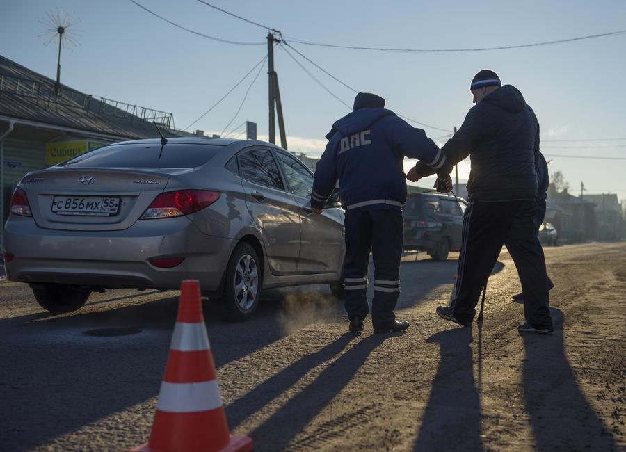 Госдума предлагает отбирать автомобили у пьяных водителей без прав