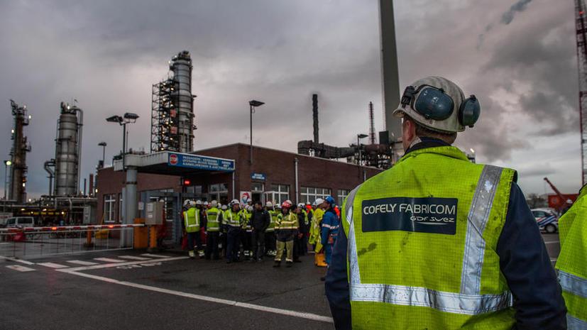На нефтеперерабатывающем заводе Total в Бельгии прогремел взрыв, есть погибшие