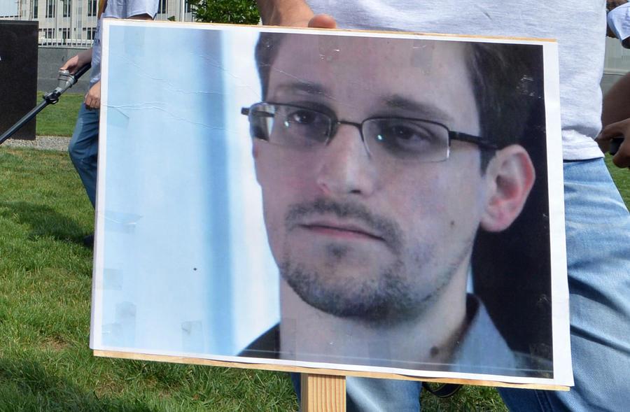 Ветераны американских спецслужб присудили Эдварду Сноудену премию за честность