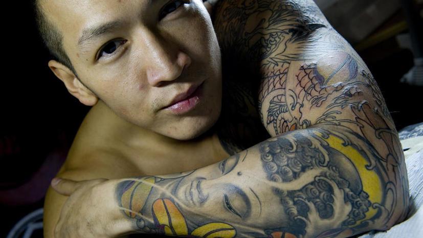 Туризм в Шри-Ланке: британца задержали в аэропорту за татуировку с Буддой
