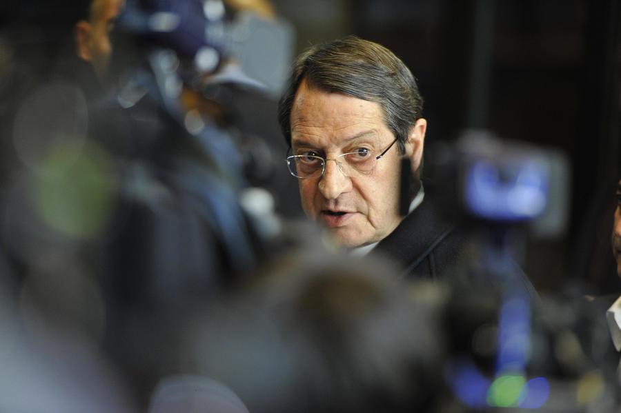 Президент Кипра отверг обвинения в переводе денег его родственниками за границу