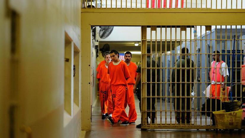 Половину преступлений сексуального характера в американских тюрьмах совершают надзиратели и охранники