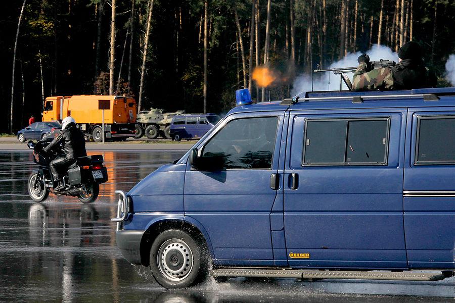 ФСО закупит автобус с противогазами для первых лиц государства