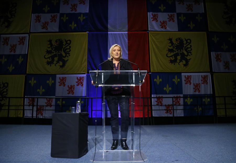 Национальный фронт Марин Ле Пен потерпел поражение во втором туре региональных выборов во Франции