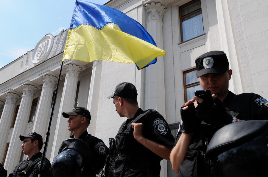 В Верховной раде предложили лишать свободы на три года за критику власти
