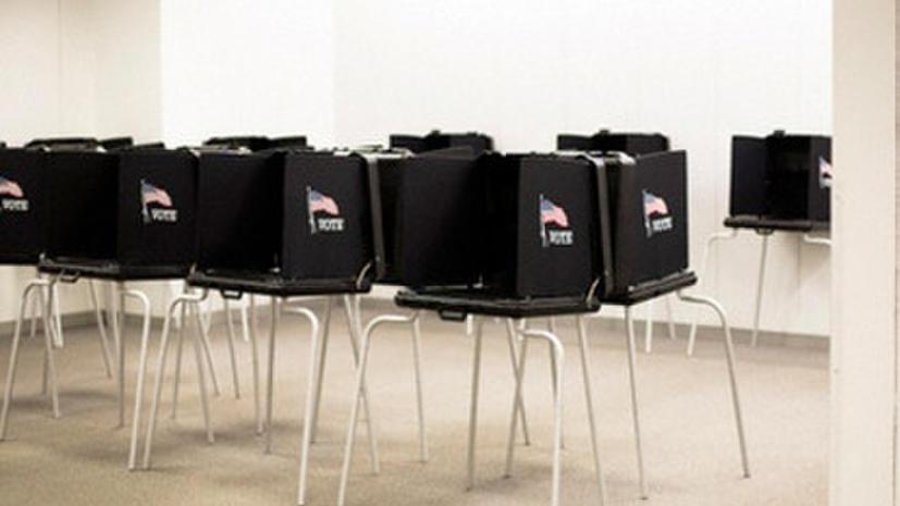Голоса американских избирателей подсчитают устаревшие машины