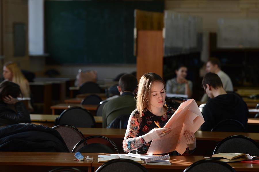 Иностранцы не смогут учиться в России без знаний классической литературы и матанализа