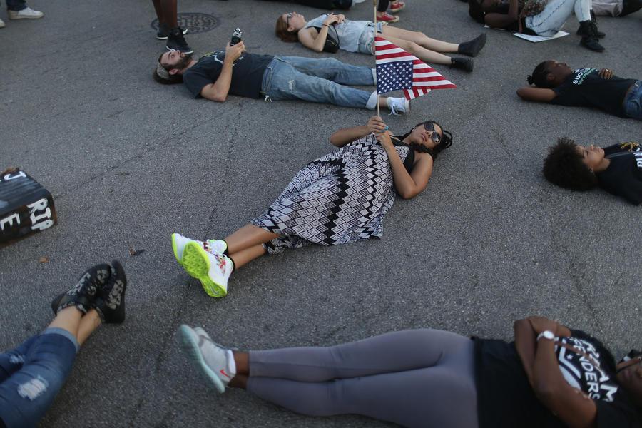 Кризис доверия: прокурор Нью-Йорка потребовал расследования всех случаев убийств от рук полиции