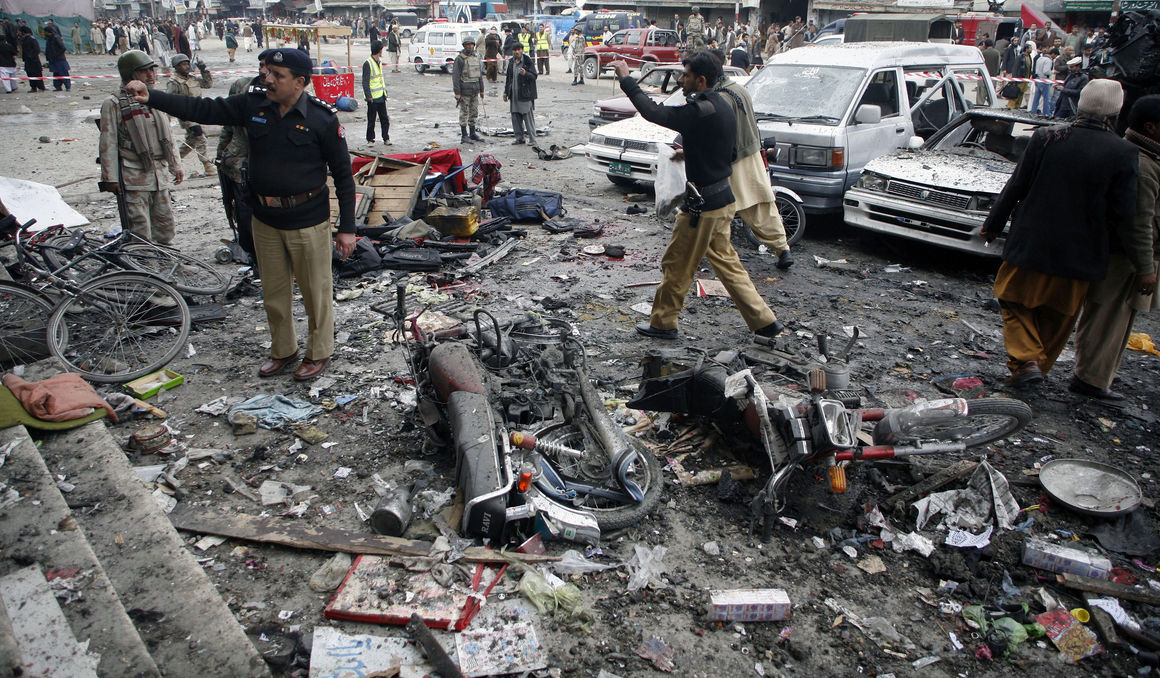На пакистанском рынке прогремел взрыв, унесший жизни как минимум 16 человек