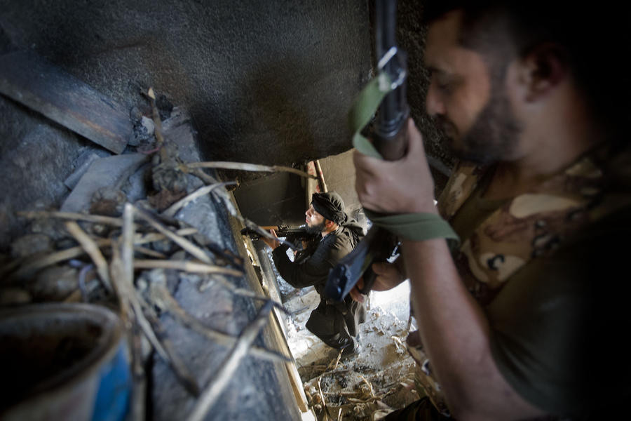 ФСБ: Война в Сирии угрожает России нелегальной миграцией боевиков