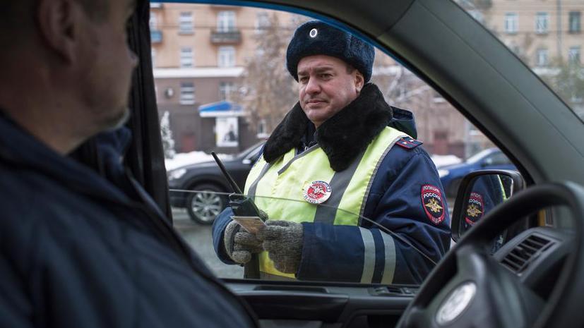 С завтрашнего дня приставы смогут лишать водительских прав за неуплату штрафов и алиментов