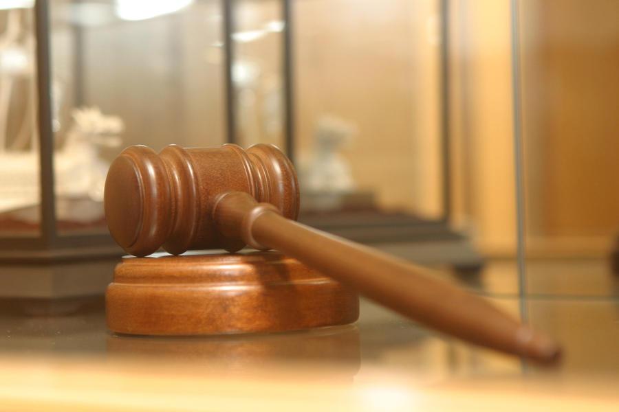 В Канаде водитель решила засудить подростка, погибшего под колёсами её машины