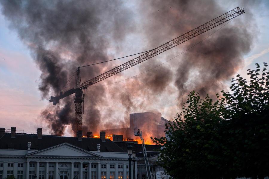 В жилом доме в центре Брюсселя прогремел взрыв, есть пострадавшие