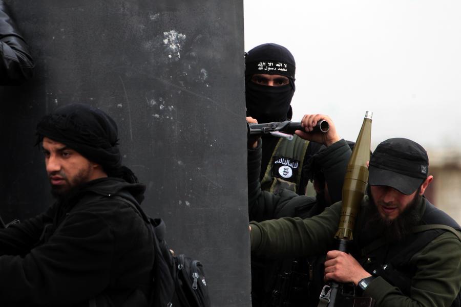 Сирийские экстремисты вербуют американцев и европейцев для совершения терактов