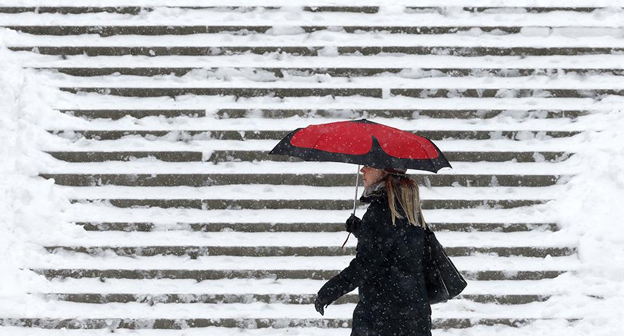 3-дневный снегопад остановил движение в Москве