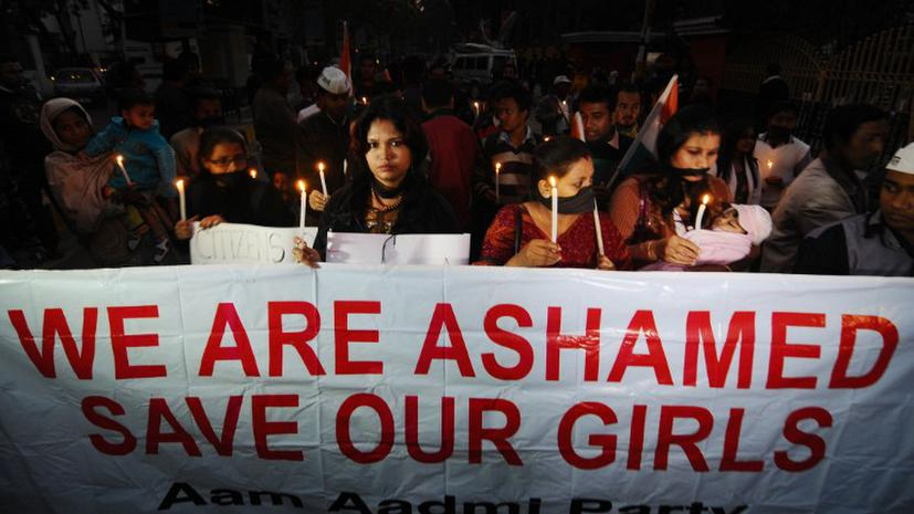 Шестерым насильникам в Индии предъявили обвинения в убийстве