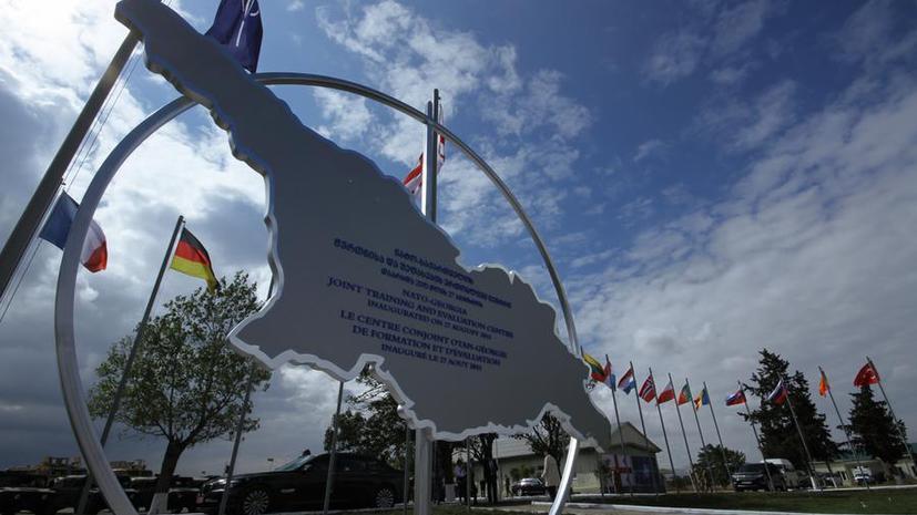 Немецкие политики: Стратегия НАТО в отношении России — крайне опасна
