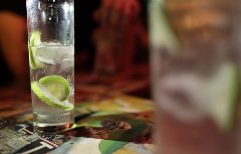 Французский суд запретил алкогольное приложение на Facebook
